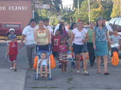 group on Vamanos walking event